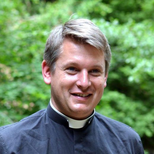 Rencontre avec l'abbé Damien Verley